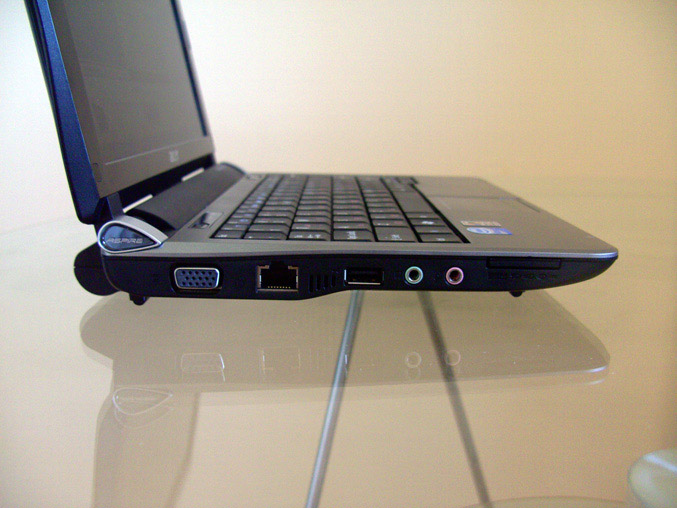 Acer-Aspire-One-Review-left