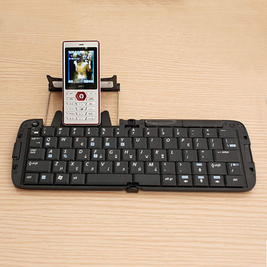 msi-bk100-universal-bluetooth-keyboard-foldable.jpg