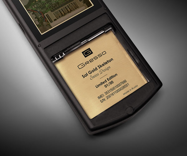 Gresso Skeleton Gold phone