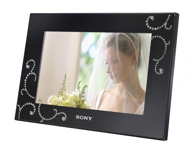 Sony DPF-D72NBQ digital photo frame