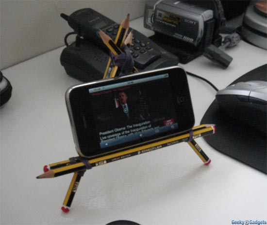 Budget iPhone/iPad Stand