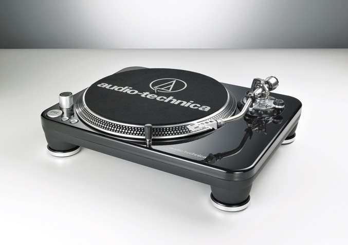 Audio-Technica AT-LP240-USB Direct Drive Turntable System