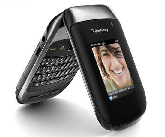 BlackBerry Style 9670 available October 31 for $99.99