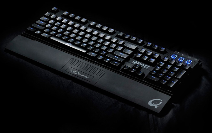 QPAD MK-80 Mechanical keyboard for gamers