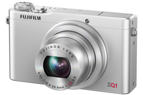 Fujifilm releases XQ1 digital camera