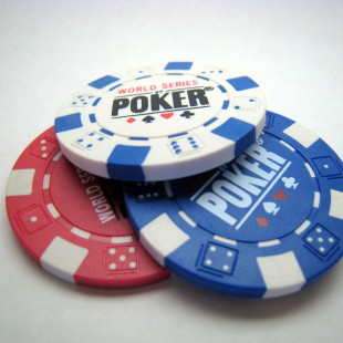 Poker apps make their mark online