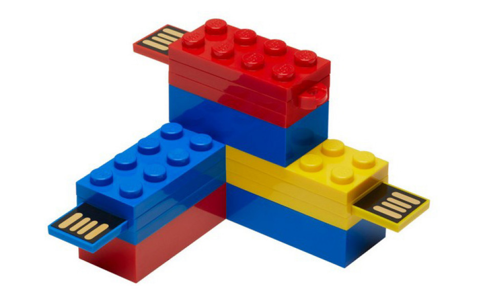 PNY releases LEGO-shaped flash drives