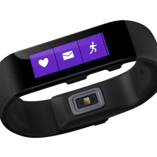 Microsoft presents Band – the first company wearable device