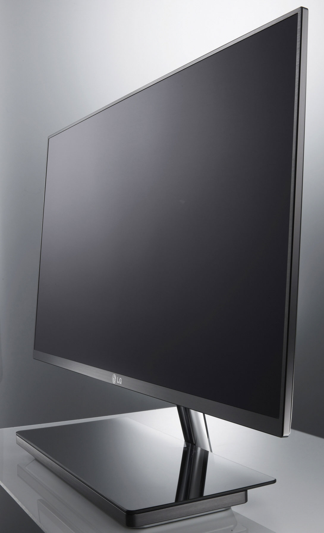 High Tech Monitor : Lg intros two ultra slim inch monitors one of them