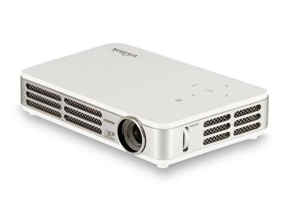Vivitek releases qumi led based pocket projector for Led pocket projector review