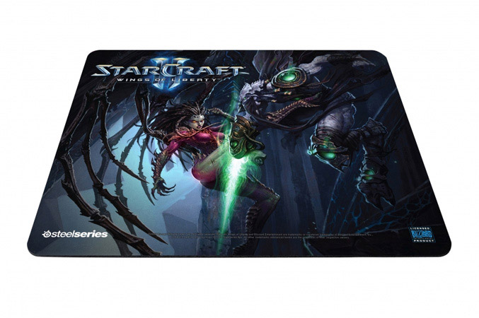 SteelSeries QcK Limited Edition StarCraft II Kerrigan vs. Zeratul Mousepad