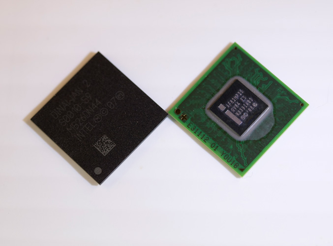 Inte lAtom Processor Z6xx Platform Controller Hub