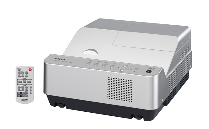 Sanyo PDG-DWL2500J projector