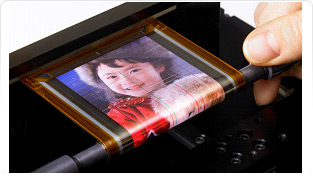 Sony-Rollable-OTFT-driven-OLED-Display_feature