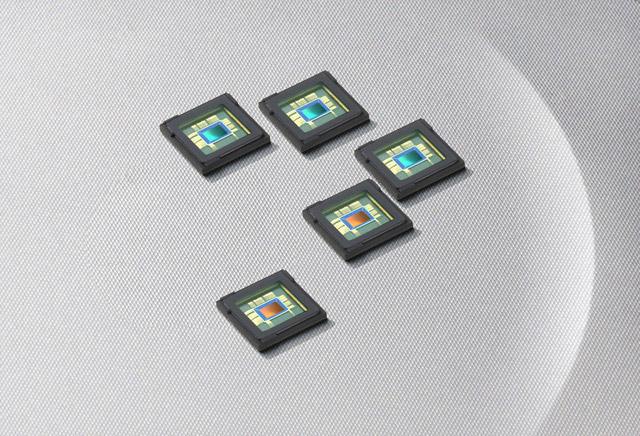 Samsung S5K3L1 12MP back side illuminated sensor