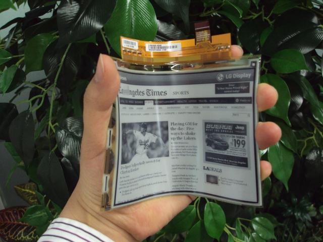 LG plastic e-paper display