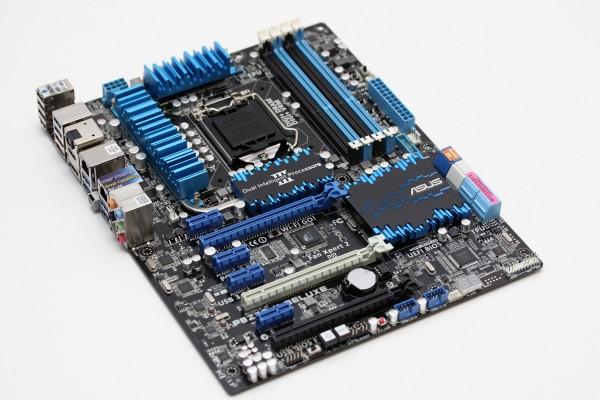 ASUS P8Z77-V motherboard