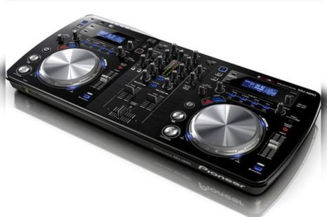 Pioneer offers first ever wireless DJ console