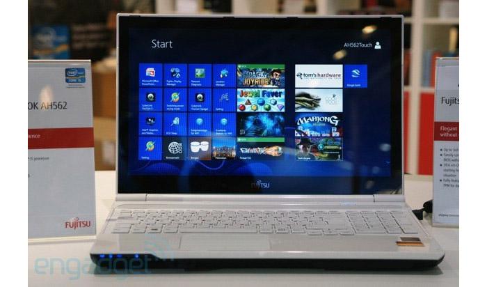 Fujitsu-LifeBook-AH562