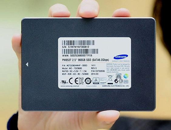 Samsung TLC NAND