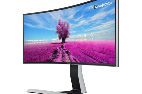 Samsung rolls out new curved monitor