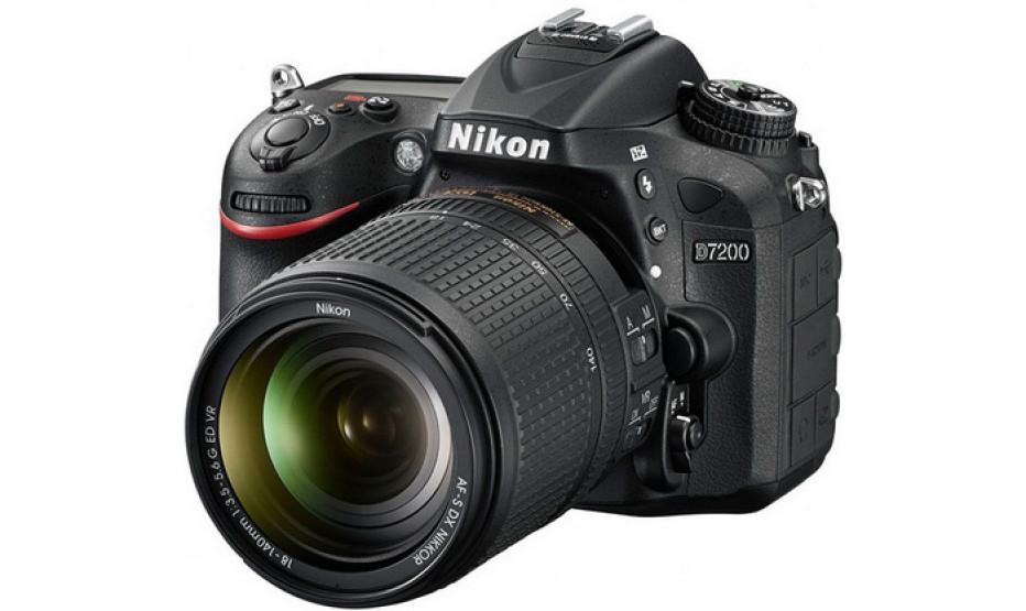 Nikon debuts D7200, P900 digital cameras