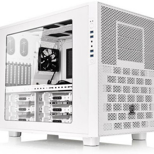 Thermaltake presents the Core X9 Snow Edition chassis