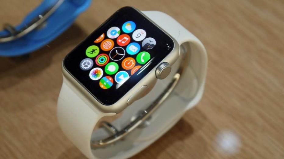 Apple Watch gets first software update