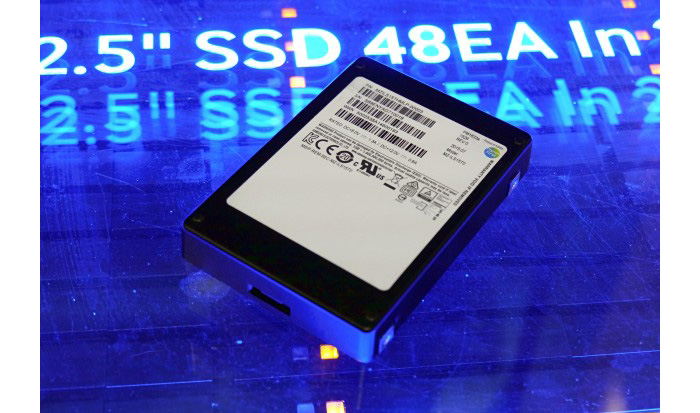 Samsung-PM1633a-SSD_s