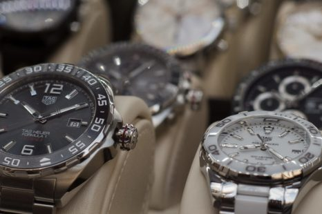How to buy your preferred branded watch through online store