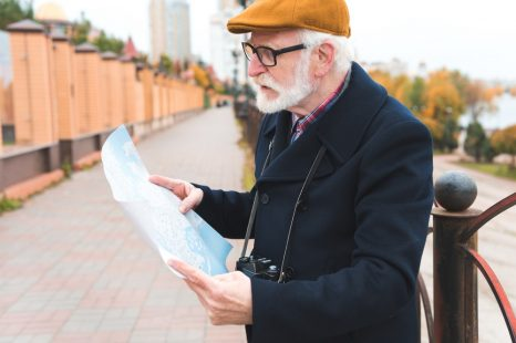 Tips for Choosing a GPS Tracker for a Person with Memory Loss